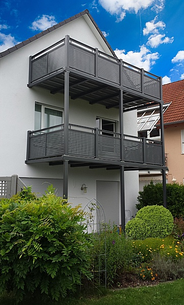 die balkonmacher mehrgeschossige balkone. Black Bedroom Furniture Sets. Home Design Ideas